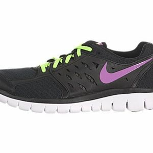 Blacl/ purple swoosh Nike Flex 2013 Run Sneaker.